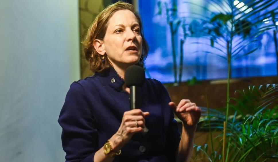 """Film do artykułu: Anne Applebaum laureatką nagrody Człowiek Roku """"Gazety Wyborczej"""". Michnik o niej mówi: - Pisarka z powołania, publicystka z temperamentu"""