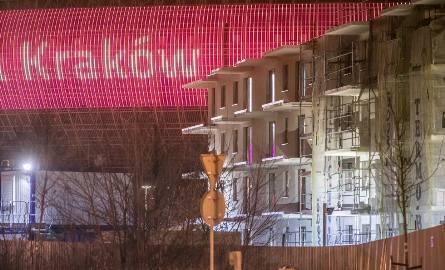 Bloki przed Tauron Areną, zdjęcia z początku roku