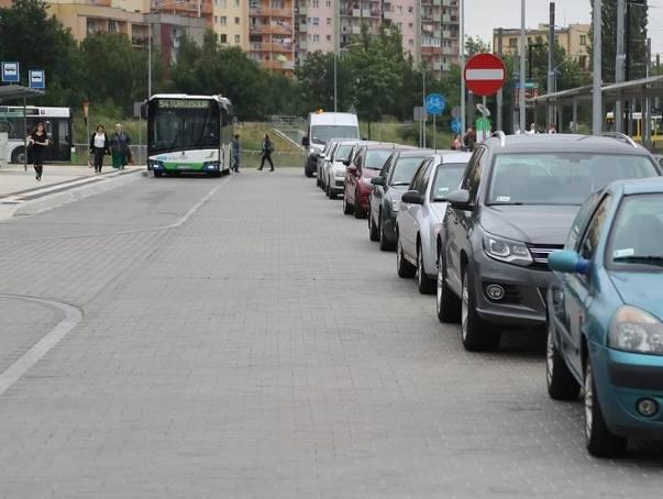Nowe parkingi pomogą rozładować tłok na Turkusowej w Szczecinie