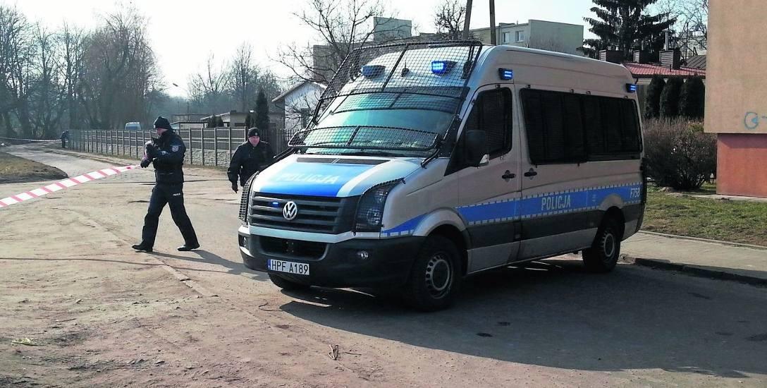 Ukraińcy i Gruzini zaatakowali policję! Padły strzały! 8 osób rannych w Zgierzu