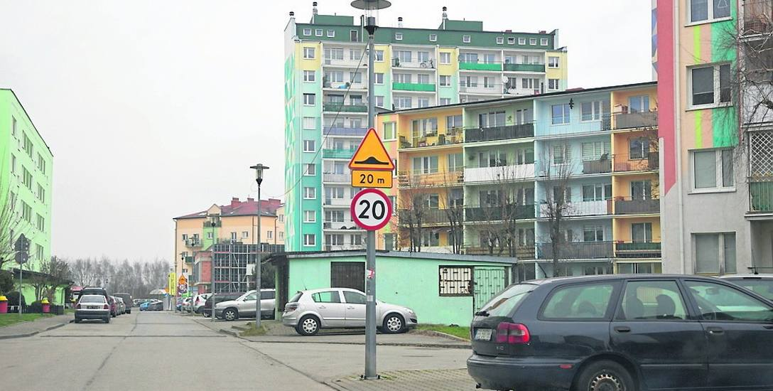 Miasto tylko za wrzesień i październik musi zapłacić SSMprawie 32 tysięcy złotych odszkodowania za niezapewnienie lokali socjalnych lub zastępczych dla