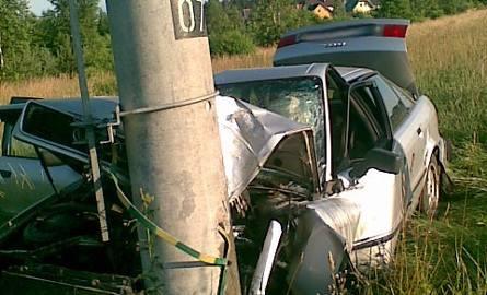 Kierowca tego audi cudem wyszedł cało z wypadku.