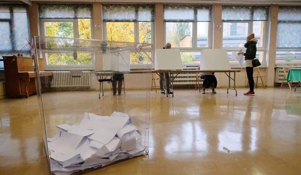 Film do artykułu: Policja: 16 zgłoszeń zakłócenia ciszy wyborczej w Lubuskiem. Co się stało?