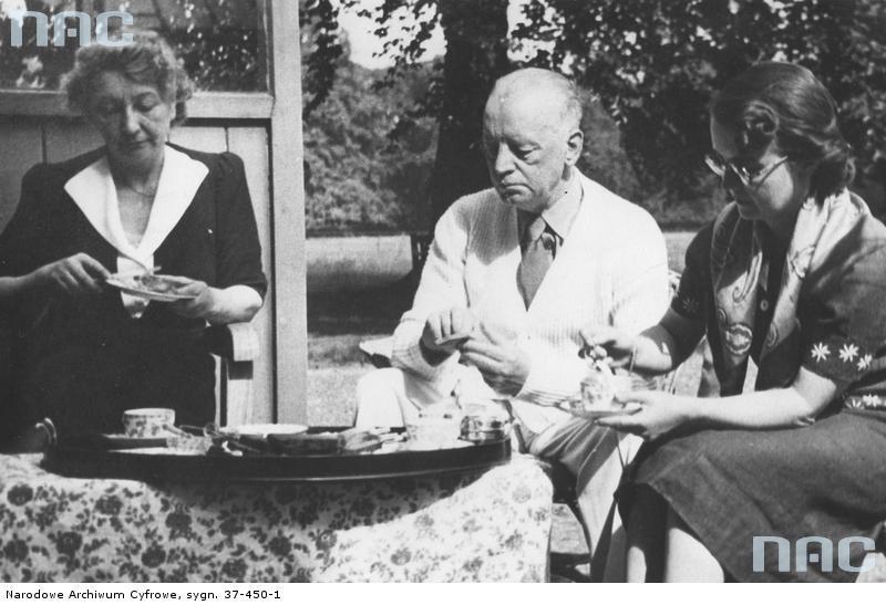 Gen. Władysław Sikorski z żoną Heleną i córką Zofią Leśniowską [1]
