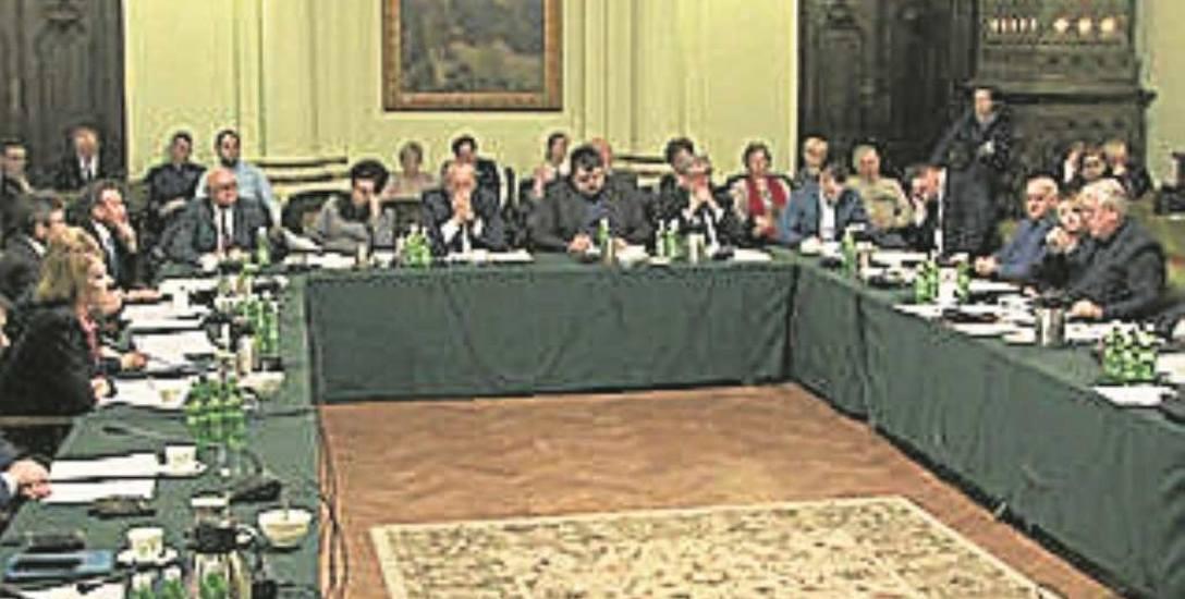 Trzystu mieszkańców będzie mogło złożyć swoją uchwałę na sesję Rady Miejskiej