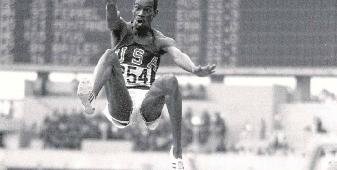"""Robert """"Bob"""" Beamon 18 października 1968 r. w Meksyku oddał """"skok marzeń"""", zwany też """"skokiem w XXI wiek"""", na odległość 8,90 m"""