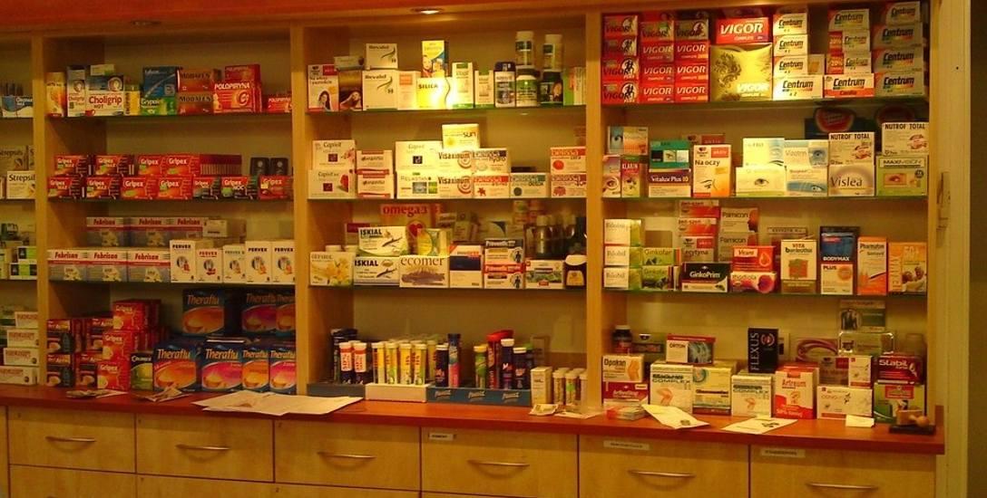 """Farmaceuci będą się szkolić z """"medycznej marihuany"""". Do końca roku w aptekach mają pojawić się leki z konopi"""
