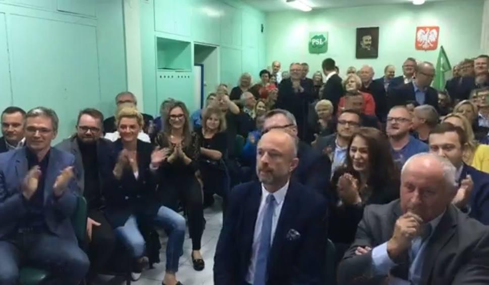 Film do artykułu: Wybory samorządowe 2018. Wieczór wyborczy w kieleckim sztabie Polskiego Stronnictwa Ludowego [ZAPIS TRANSMISJI]