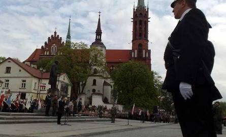 Święto Konstytucji 3 maja w cieniu tragedii pod Smoleńskiem (zdjęcia, wideo)