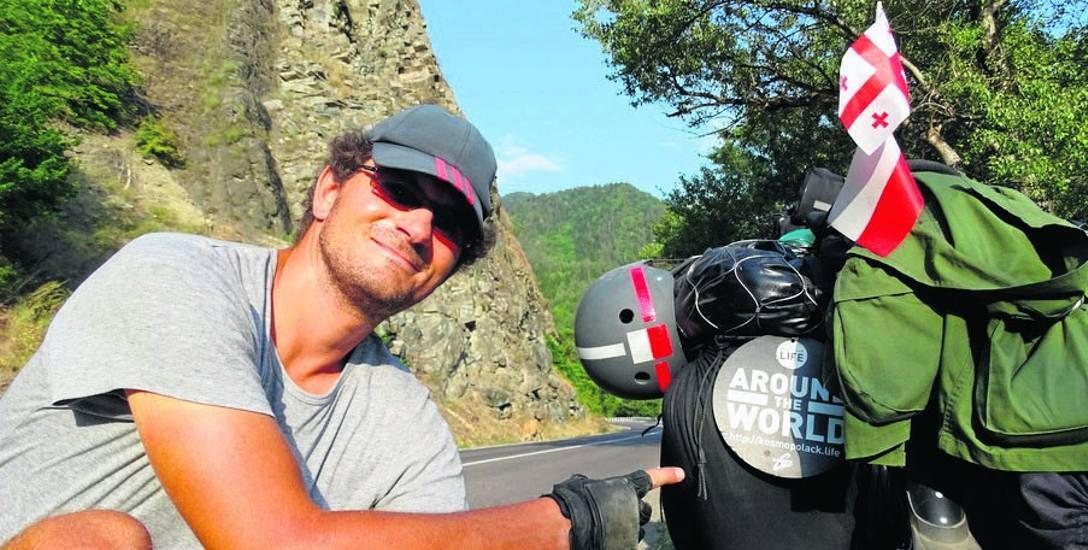 Rowerową podróż Macieja Wdowskiego dookoła świata można na bieżąco śledzić na stronie www.kosmopolack.life