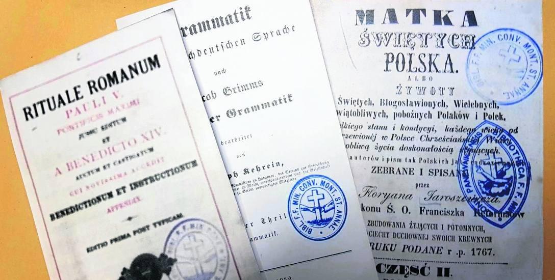 Książki z biblioteki ojców franciszkanów to w większości literatura dewocyjna - zarówno po polsku, jak i po niemiecku.