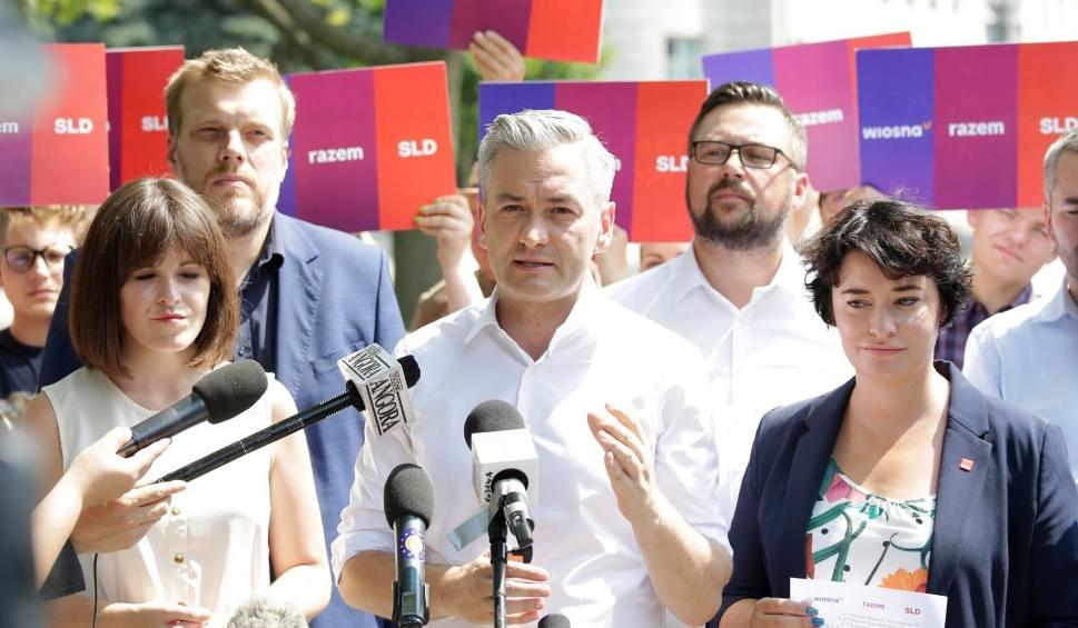 Film do artykułu: Robert Biedroń nie zrezygnuje z mandatu europosła. Ma pokierować sztabem wyborczym Lewicy
