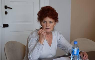 - Władza w Żaganiu lekką ręką wycina drzewa. Przez to coraz więcej ludzi umiera tutaj na raka - przekonuje mieszkanka Krystyna Szot