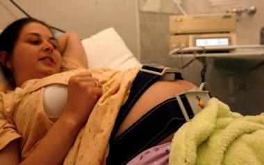 Ostatnio głośno zrobiło się o możliwości kontrolowania przez ZUS kobiet w ciąży na... Facebooku. (Więcej o tej sprawie przeczytasz w materiale: ZUS śledzi