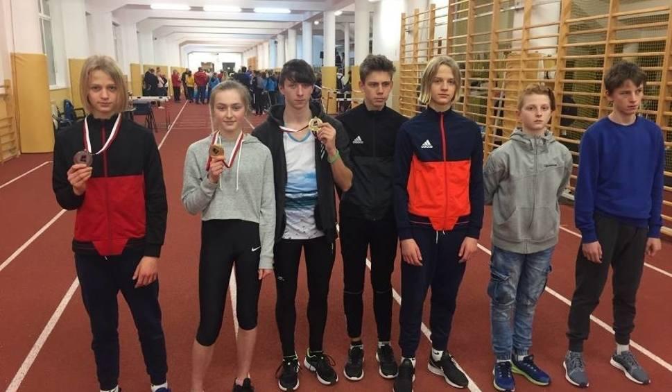 Film do artykułu: Trzy medale dla młodych sławnian podczas zawodów w lekkiej atletyce