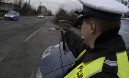 20-latek jechał za szybko o 67 km/h i stracił prawo jazdy