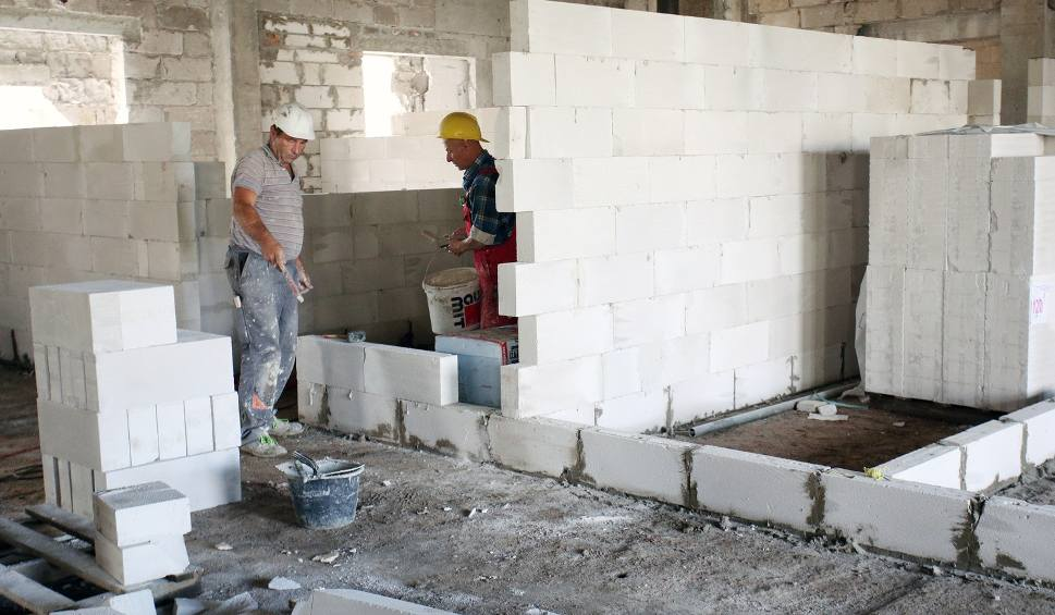 Film do artykułu: Przeniosą administrację szpitala do budynku przy Hubalczyków