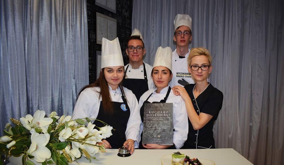 Film do artykułu: Uczniowie Zespołu Szkół Gastronomiczno-Hotelarskich wywalczyli zwycięstwo w ogólnopolskim konkursie kulinarnym