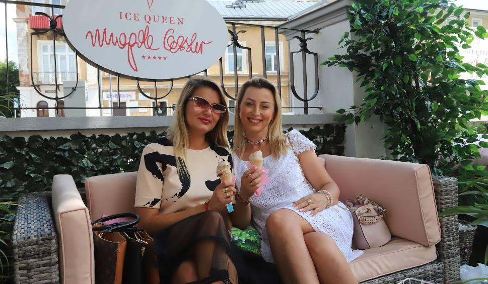 """Film do artykułu: Lody Magdy Gessler w Radomiu. Nowa lodziarnia """"Ice Queen"""" zaprasza na autorskie lody """"Królowej gastronomii"""