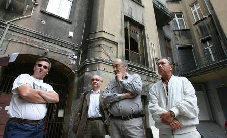 Afera w Łodzi. Szajka oszustów chciała wyłudzić cenne kamienice. Adwokat wśród oskarżonych