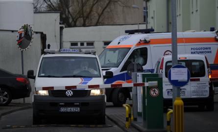 Trwa ewakuacja w Szpitalu Miejskim w Toruniu. Dwudziestu pacjentów Oddziału Hematologii Szpitala Miejskiego w Toruniu  przewożonych jest do Grudziądza.