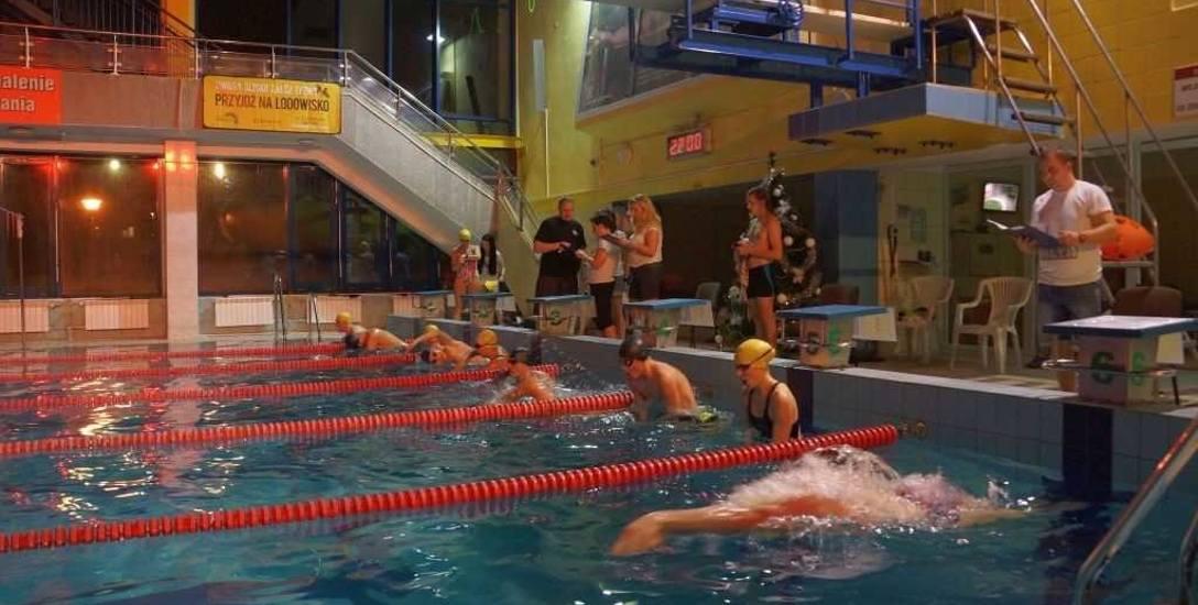 100-minut na 100-lecie. Zgłoś się na wyjątkowe zawody pływackie