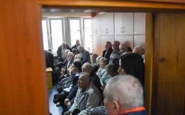 Tłumy działkowców przyszły wczoraj do sądu przy ul. Młodzieżowej. Zeznawał m.in. były prezes Elany.