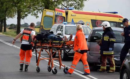 Dwie osoby ranne w wypadku w Miroszce koło Gniezna [ZDJĘCIA]