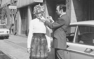 Fryzury modne w PRL. Zobacz, jak dbaliśmy o włosy za komuny. Będziesz zdziwiony, jaką fryzjerzy mieli fantazję.