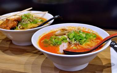 Po tym, jak pokochaliśmy sushi, powoli otwieramy się też na inne przysmaki kuchni japońskiej, koreańskiej, wietnamskiej czy tajskiej. Zobaczcie przepisy