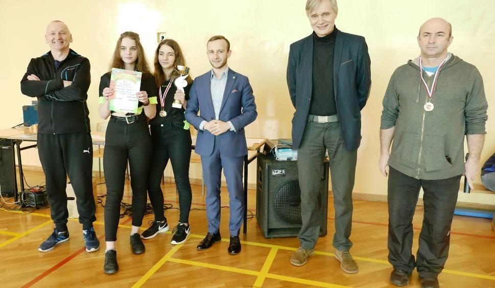 Film do artykułu: Zawodniczki ze szkoły Porzeczu najlepsze w tenisie stołowym w powiecie