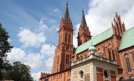 Coraz więcej turystów zagląda do Włocławka, odwiedzając zabytki i miejsca, z których miasto jest znane. Można wybrać się do nich samodzielnie, można