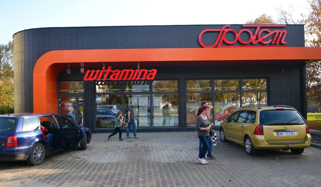 f730909652a2 Nowy sklep Witamina działa od minionej soboty w pawilonie przy ulicy  Struga. Stary budynek został