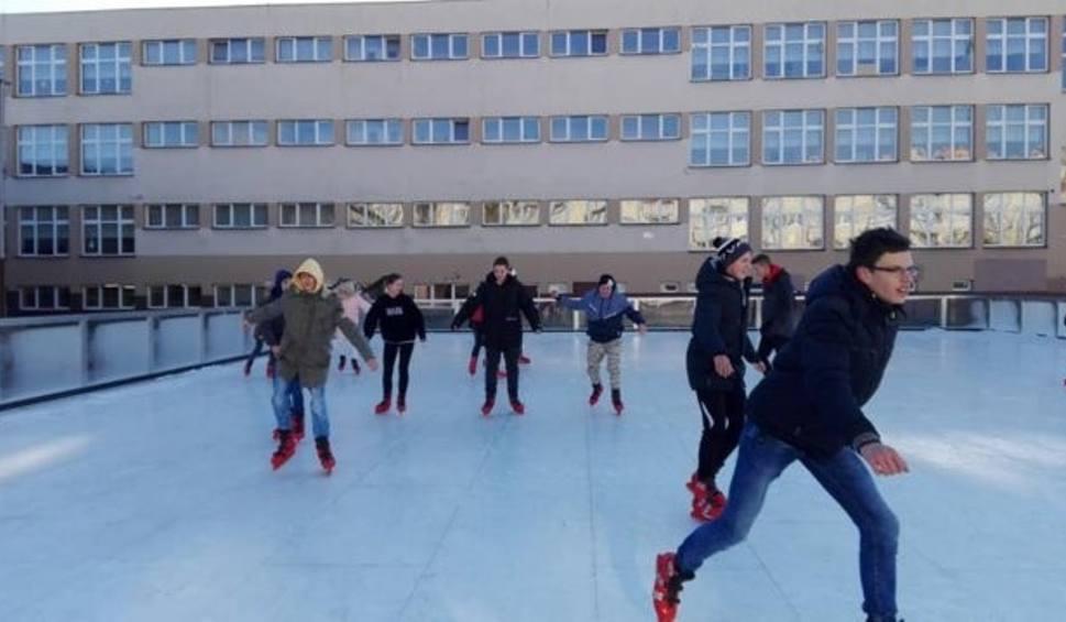 Film do artykułu: Ferie 2019 w Radomiu. Otworzą sztuczne lodowisko przy Osiedlowej na Ustroniu