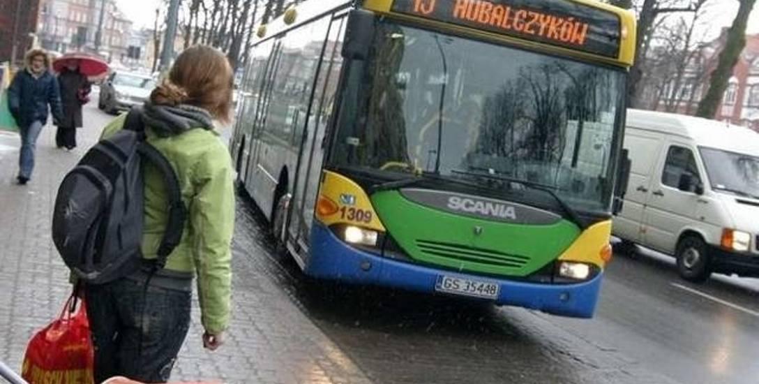 Gdzie może zawieźć bezpłatny autobus? Na wczorajszej sesji okazało się, że do wyborów.