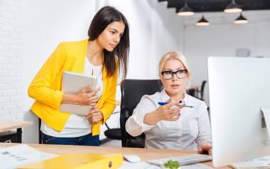 """7 najważniejszych kwestii, które trzeba przeanalizować w pierwszych tygodniach nowej pracy:1. Dress code""""Rozpoczynając nową pracę w firmie, w której"""