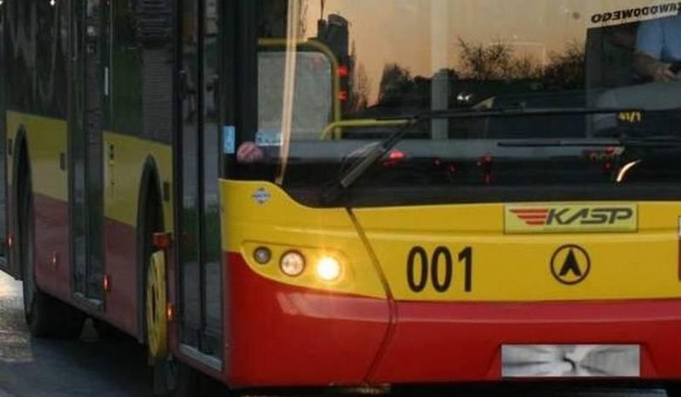 Film do artykułu: Awaria wodociągowa na osiedlu Podkarczówka w Kielcach. Na czas jej naprawy inaczej pojadą autobusy