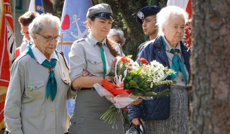 Film do artykułu: W Jaworznie-Szczakowej uczczono pamięć kolejarzy zamordowanych przez Niemców ZDJĘCIA