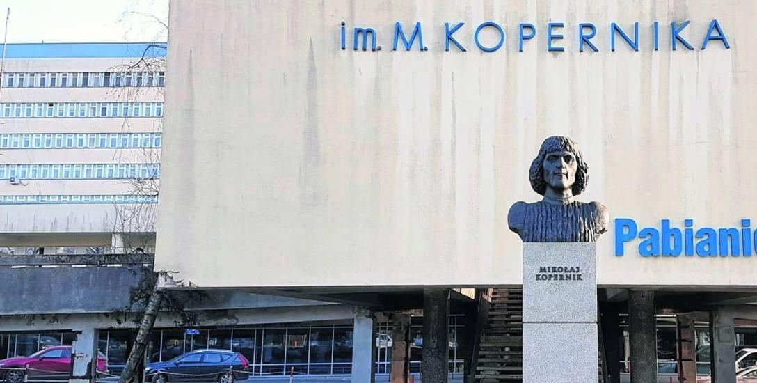 """Planowe zabiegi w """"Koperniku"""" wstrzymano, więc chory poczeka dłużej na operację"""