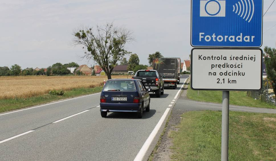 Film do artykułu: Wraca odcinkowy pomiar prędkości w Łosiowie. Kamery jeszcze nie działają, a kierowcy już zwolnili