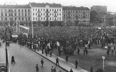 Demonstracje antykościelne pod hasłem obrony autorytetu prezydenta RP odbywały się w Polsce wiosną 1937 roku, w trakcie tzw. konfliktu wawelskiego