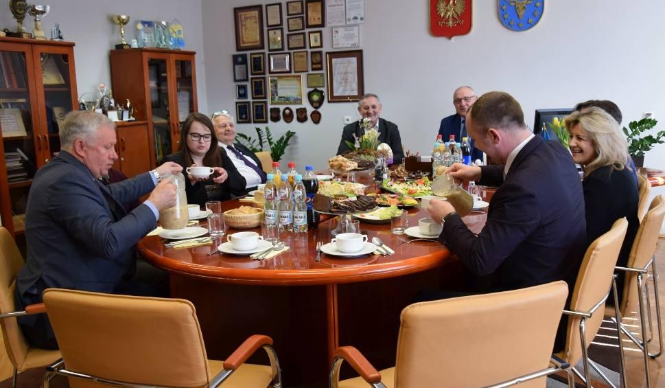 Film do artykułu: Spotkanie wielkanocne w starostwie powiatowym w Kozienicach