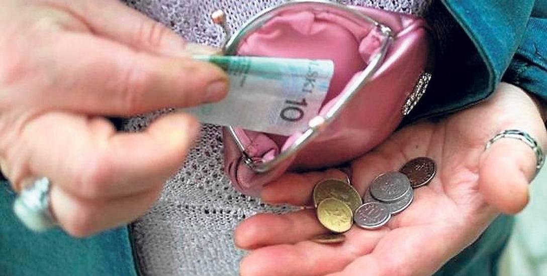 Emerytka z Podkarpacia ma prawie 8 milionów długu! Przyczyny kłopotów emerytów? M.in. wydatki na leki i lekarzy