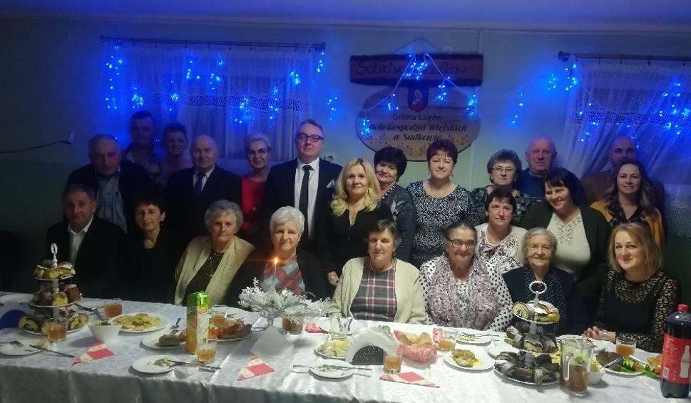 Film do artykułu: Świąteczne spotkanie w Sadkowie. Burmistrz Marwicki dziękował mieszkańcom