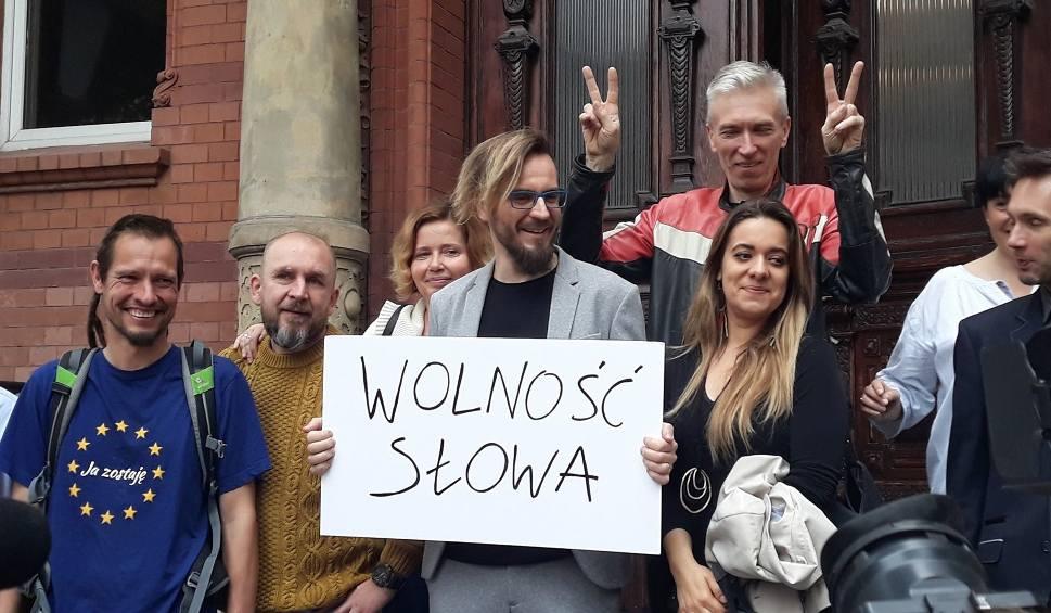 """Film do artykułu: Czy słowo na """"d"""" znieważyło Prezydenta RP? Sąd w Szczecinie umorzył sprawę. """"Stopień szkodliwości czynu był znikomy"""""""
