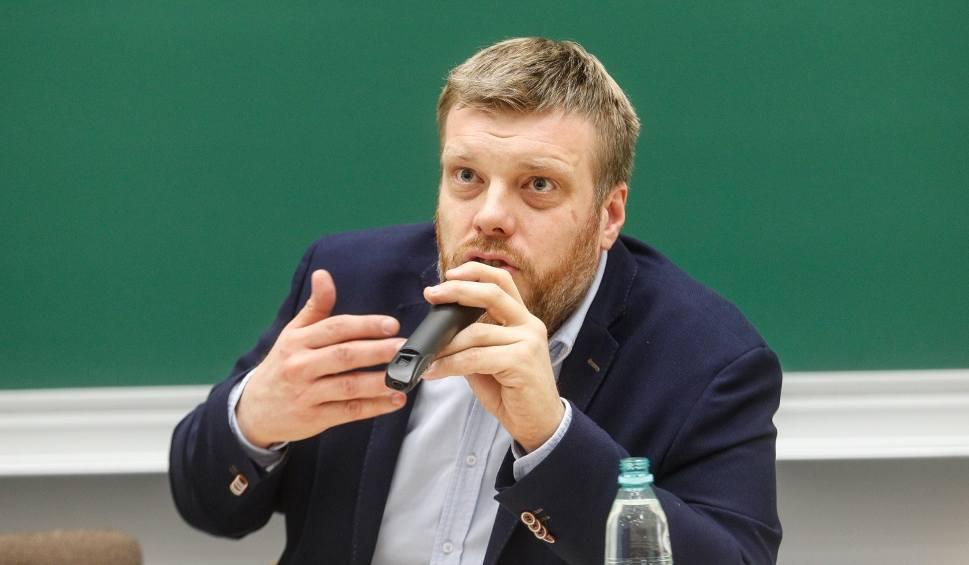 Film do artykułu: Adrian Zandberg, lider Partii Razem w Rzeszowie: Państwo nie może być paśnikiem dla Misiewiczów