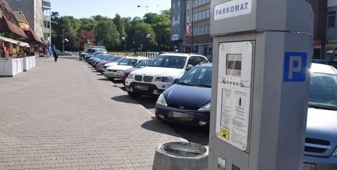 Pierwsze dni bez płacenia za parkowanie. Jedni widzą różnicę, inni jej nie dostrzegli