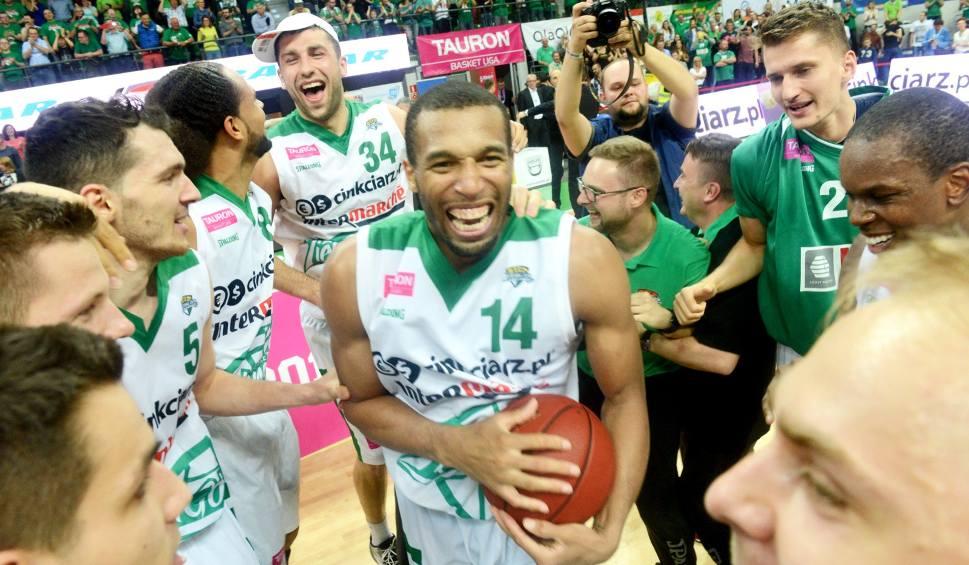 Film do artykułu: Transferowy hit w Stelmecie Enei BC Zielona Góra! Wielki powrót amerykańskiego koszykarza Quintona Hosleya