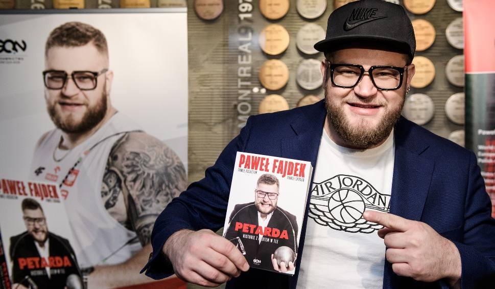 Film do artykułu: Paweł Fajdek: O moim sukcesie mógłby rapować Taco Hemingway (WIDEO)
