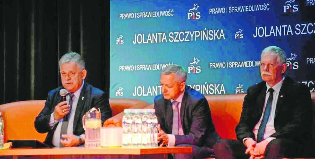 Do Kępic minister przyjechał w towarzystwie wicewojewody Łuczyka i posła Mrówczyńskiego.